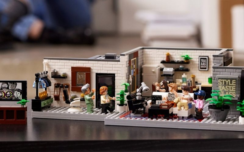 OFFICIALLY REVEALED!! LEGO Queer Eye – The Fab 5 Loft 10291